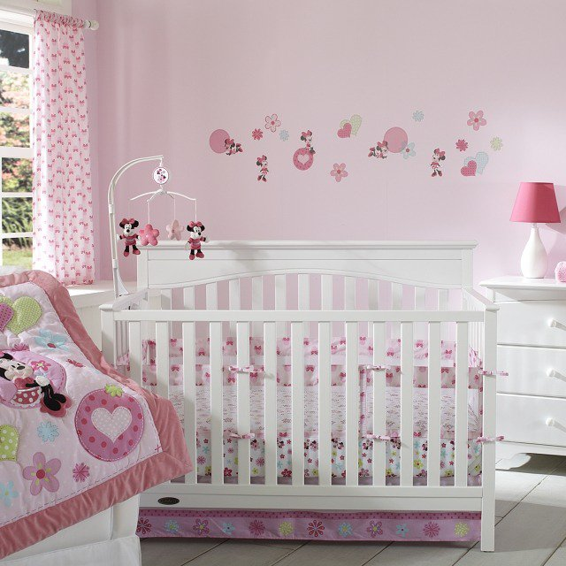 d co chambre de bebe fille exemples d 39 am nagements. Black Bedroom Furniture Sets. Home Design Ideas