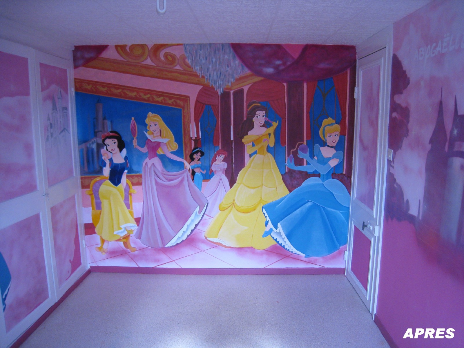 D coration chambre princesse disney for Chambre fille princesse