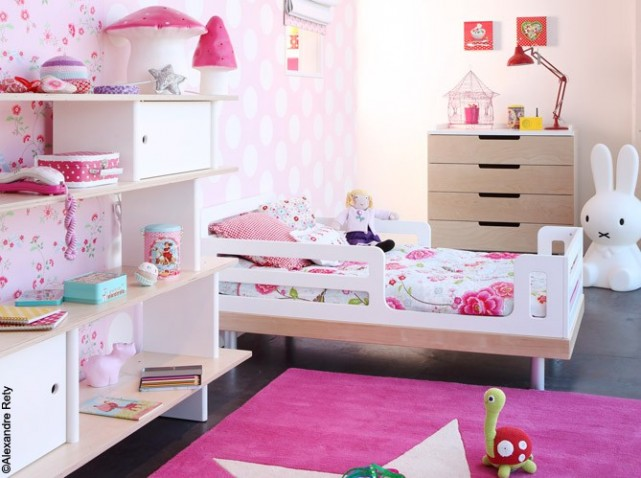 d co chambre fille 3 ans exemples d 39 am nagements. Black Bedroom Furniture Sets. Home Design Ideas