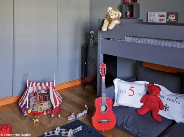 d co chambre garcon 8 ans exemples d 39 am nagements. Black Bedroom Furniture Sets. Home Design Ideas