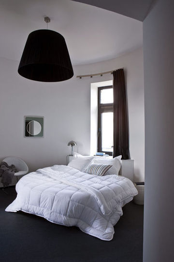 D co chambre gris et blanc exemples d 39 am nagements for Deco chambre adulte gris et blanc