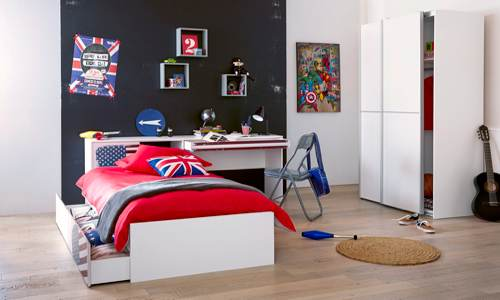 D co chambre heros exemples d 39 am nagements for Deco murale chambre ado