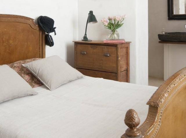d co chambre meuble ancien exemples d 39 am nagements. Black Bedroom Furniture Sets. Home Design Ideas