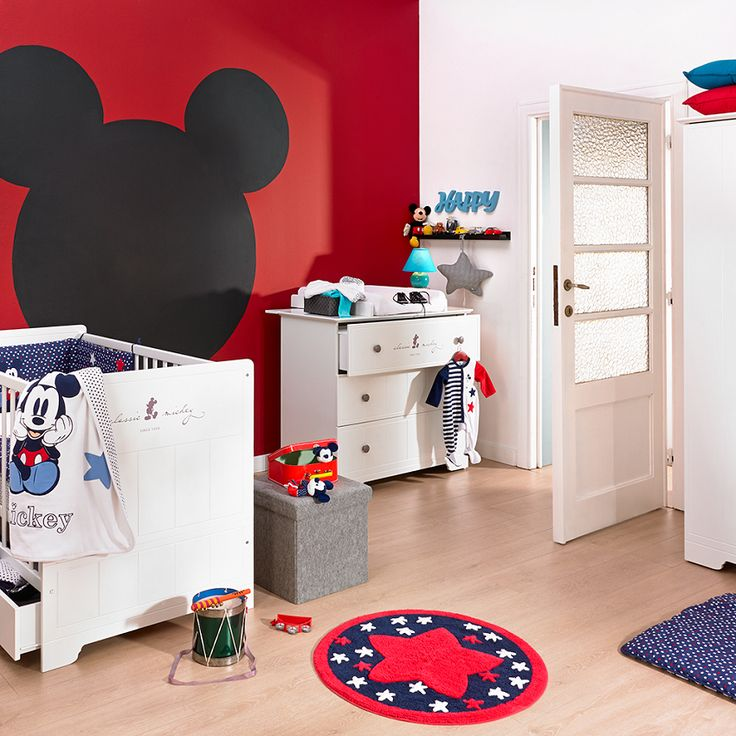 beautiful sur deco chambre bb chambre classique chambre enfant chambre s with chambre minnie bebe. Black Bedroom Furniture Sets. Home Design Ideas