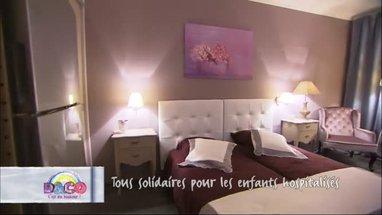 d co chambre parme et blanc exemples d 39 am nagements. Black Bedroom Furniture Sets. Home Design Ideas