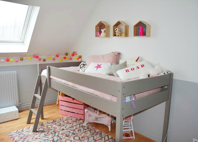 d co chambre petite fille 8 ans exemples d 39 am nagements. Black Bedroom Furniture Sets. Home Design Ideas