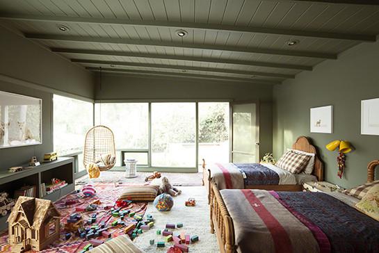 d co chambre vert kaki exemples d 39 am nagements. Black Bedroom Furniture Sets. Home Design Ideas