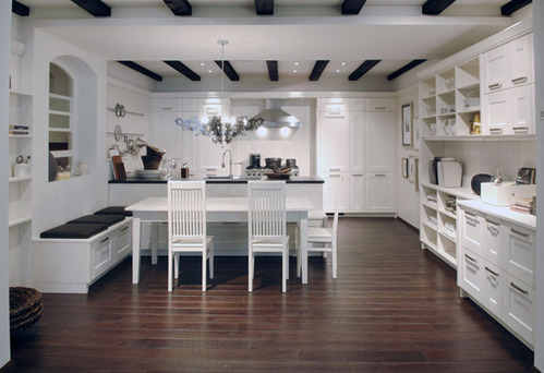 d co cuisine avec parquet exemples d 39 am nagements. Black Bedroom Furniture Sets. Home Design Ideas