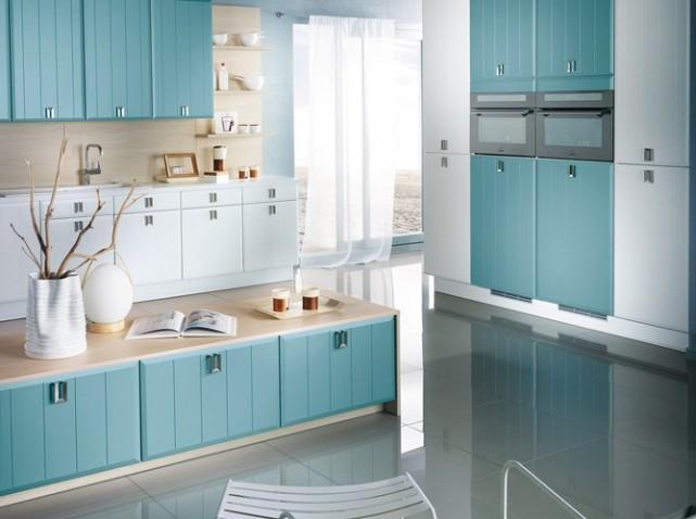 D co cuisine bleue exemples d 39 am nagements for Blanc arredamento