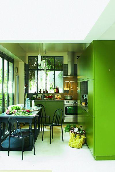 Cuisine fuchsia et vert anis déco de cuisine des idées de pièces bicolores journal des femmes