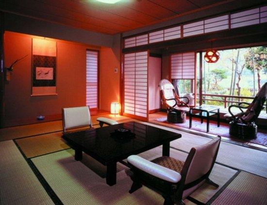 d co japonaise studio exemples d 39 am nagements. Black Bedroom Furniture Sets. Home Design Ideas