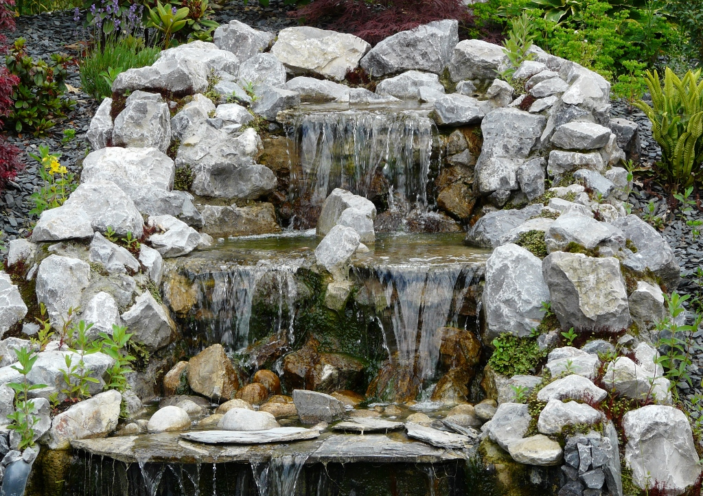 D co jardin cascade exemples d 39 am nagements for Modele de jardin