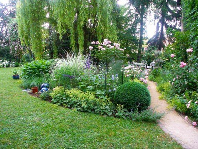 Decoration Jardin Romantique - beautiful idee deco jardin romantique ...