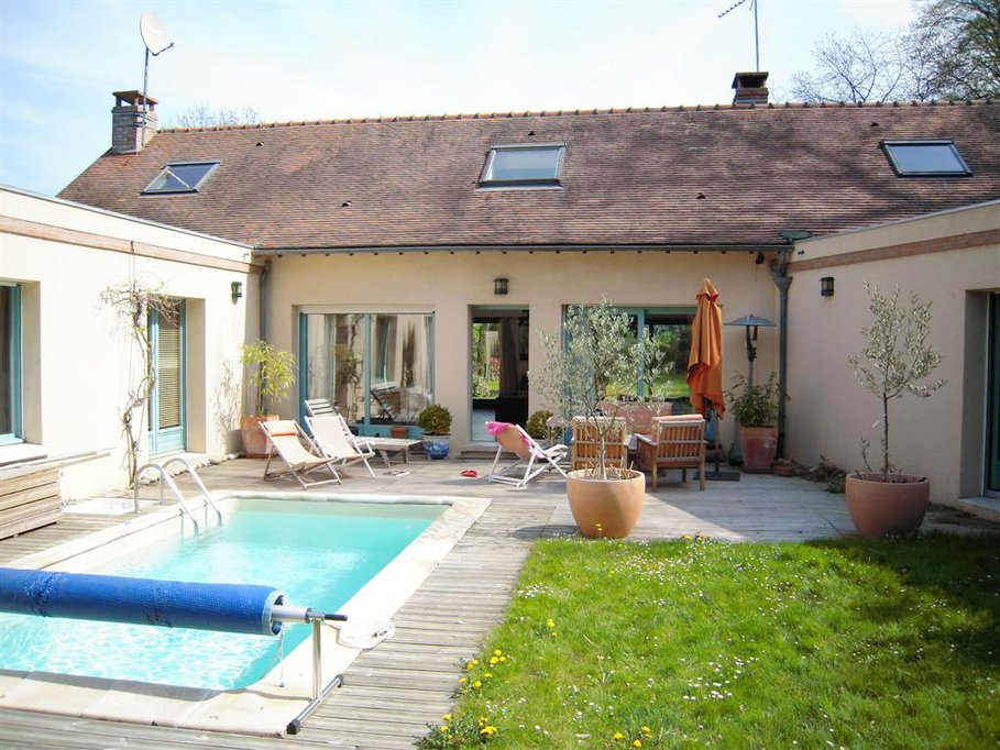 Deco terrasse maison terrasse lot de bois pics photos for Decoration piscine exterieure