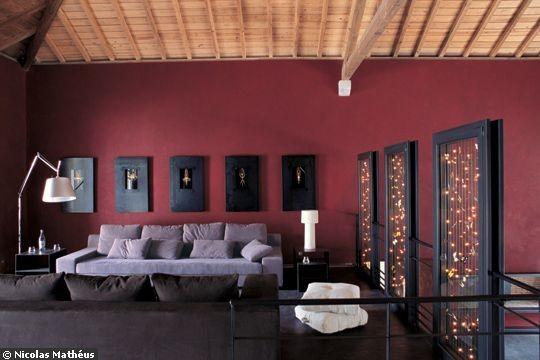 D co salon couleur framboise - Mur framboise et gris ...