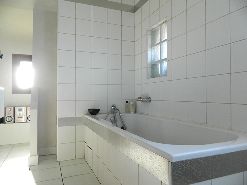D co salle de bain modele exemples d 39 am nagements for Exemple salle de bain carrelage