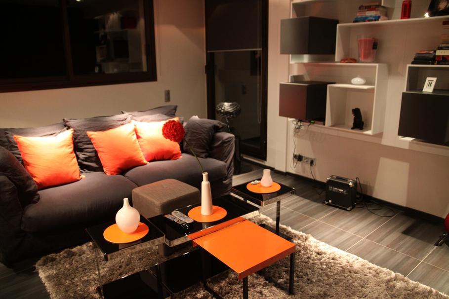 d coration salon chocolat et blanc. Black Bedroom Furniture Sets. Home Design Ideas