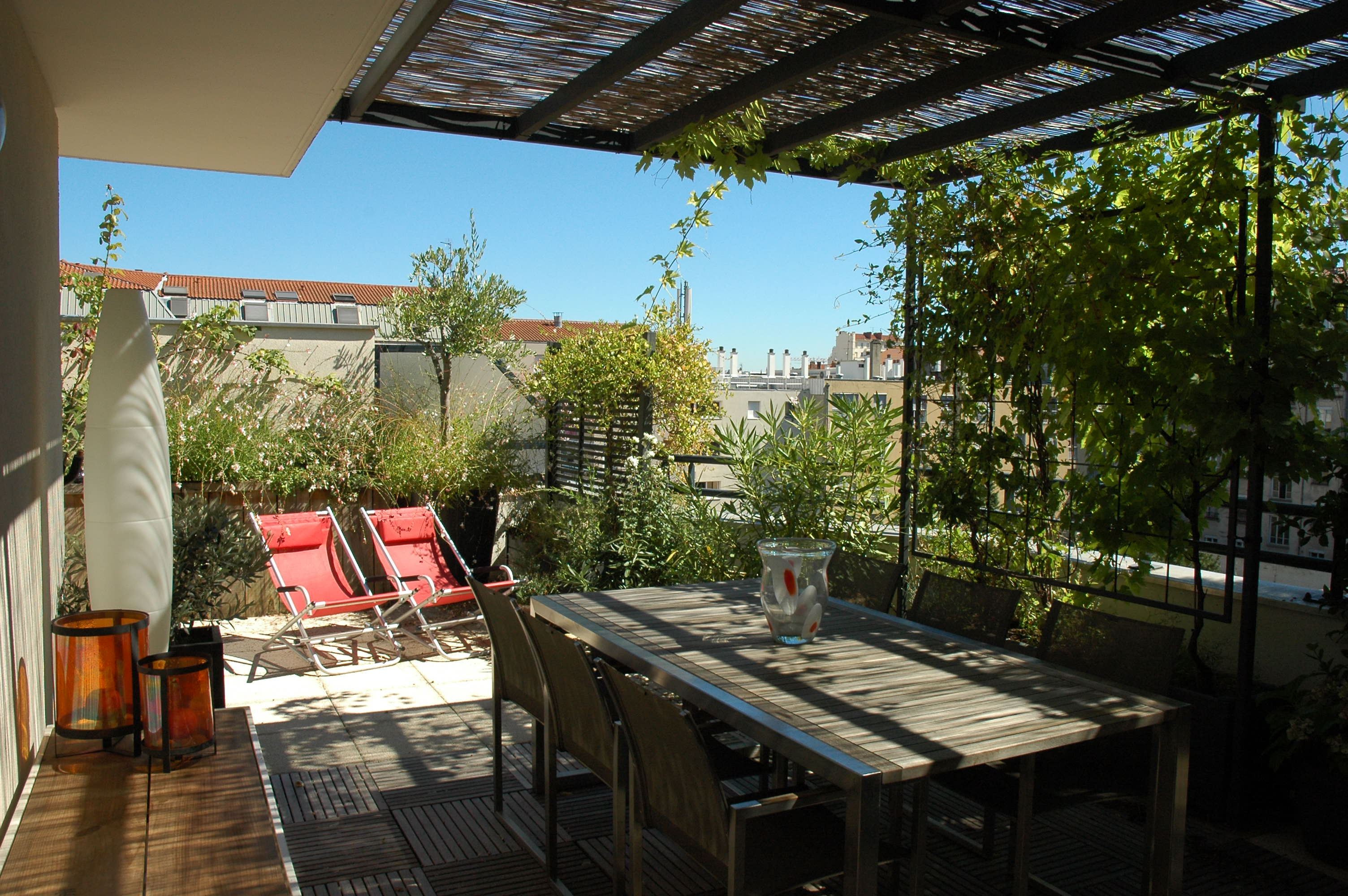 D co terrasse immeuble exemples d 39 am nagements for Deco buitenkant terras