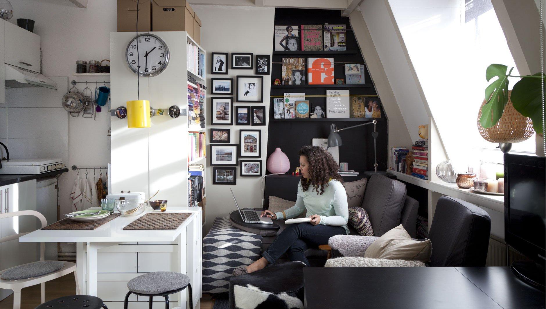 d co un studio exemples d 39 am nagements. Black Bedroom Furniture Sets. Home Design Ideas