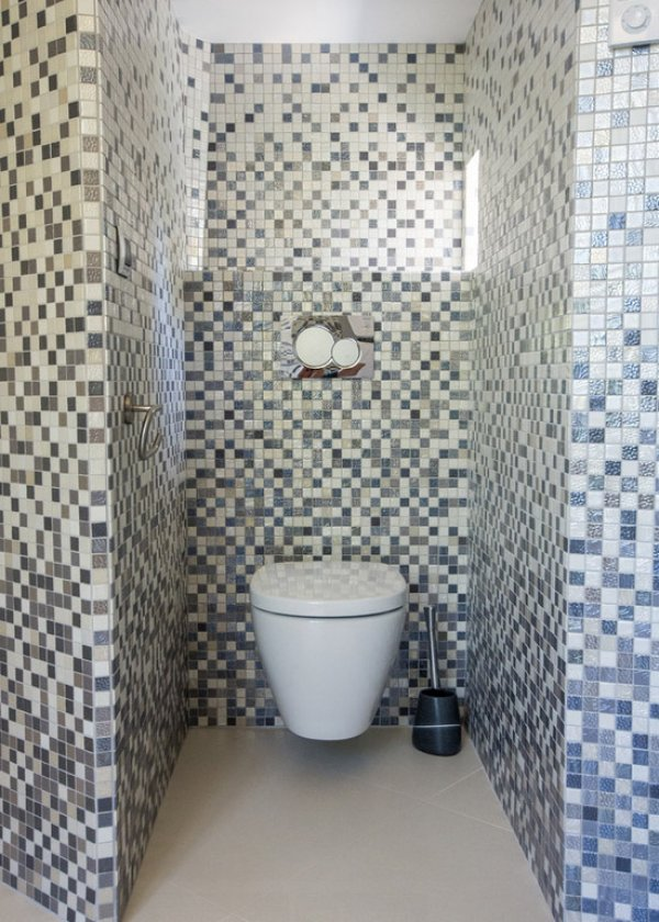D co wc en longueur exemples d 39 am nagements for Deco dans les toilettes