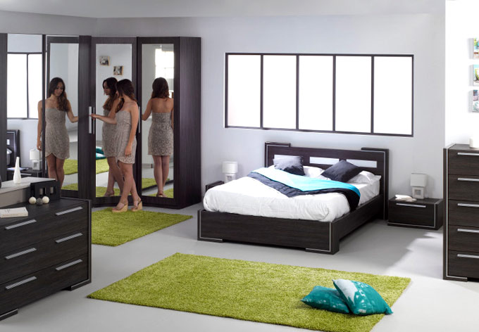 d coration chambre accessoires exemples d 39 am nagements. Black Bedroom Furniture Sets. Home Design Ideas