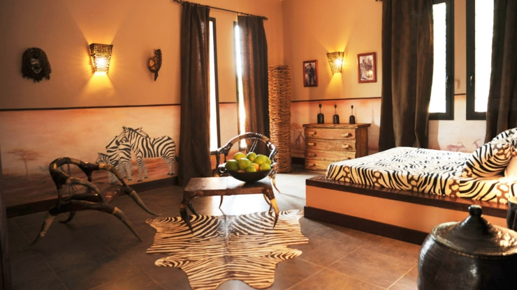 d coration chambre ambiance africaine exemples d 39 am nagements. Black Bedroom Furniture Sets. Home Design Ideas