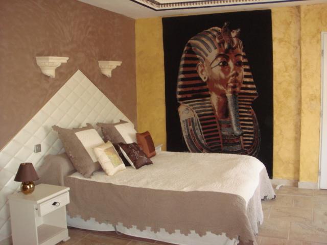 D coration chambre egyptienne exemples d 39 am nagements for Deco chambre de luxe