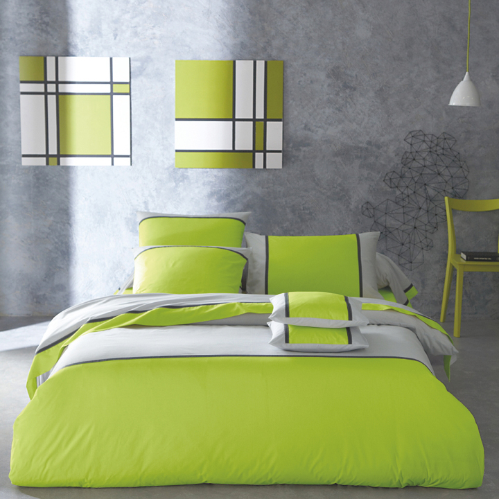 d coration chambre fluo exemples d 39 am nagements. Black Bedroom Furniture Sets. Home Design Ideas
