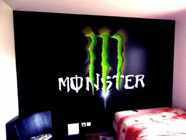D coration chambre monster energy exemples d 39 am nagements for Stickers monster high pour chambre