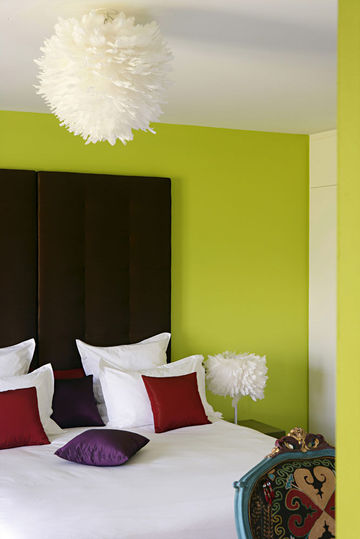 D coration chambre mur vert exemples d 39 am nagements for Decoration de mur de chambre a coucher