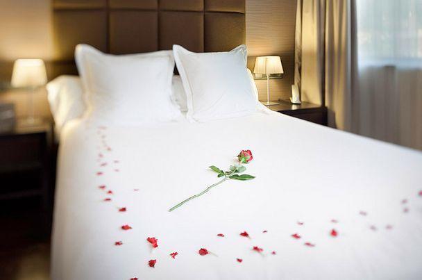 Décoration Chambre Pour Nuit Romantique Exemples Daménagements - Romantiques idees de decoration de chambre pour saint valentin