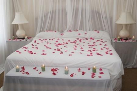Décoration chambre pour nuit romantique - Exemples d\'aménagements