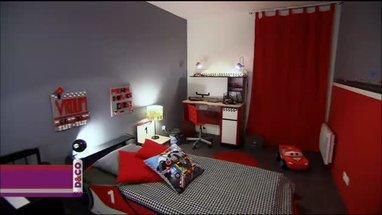 D coration chambre rouge et gris exemples d 39 am nagements - Chambre adolescent garcon rouge et gris ...