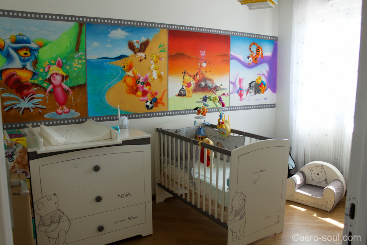 chambre enfant winnie disney. Black Bedroom Furniture Sets. Home Design Ideas