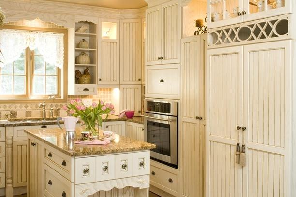 Decoration cuisine armoire for Moulure armoire cuisine