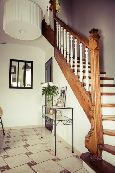 D coration entree et escalier exemples d 39 am nagements for Decoration escalier bois