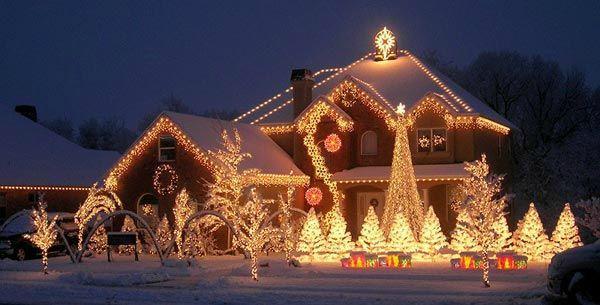 D coration exterieur noel maison exemples d 39 am nagements - Decoration de noel exterieur lumineuse ...