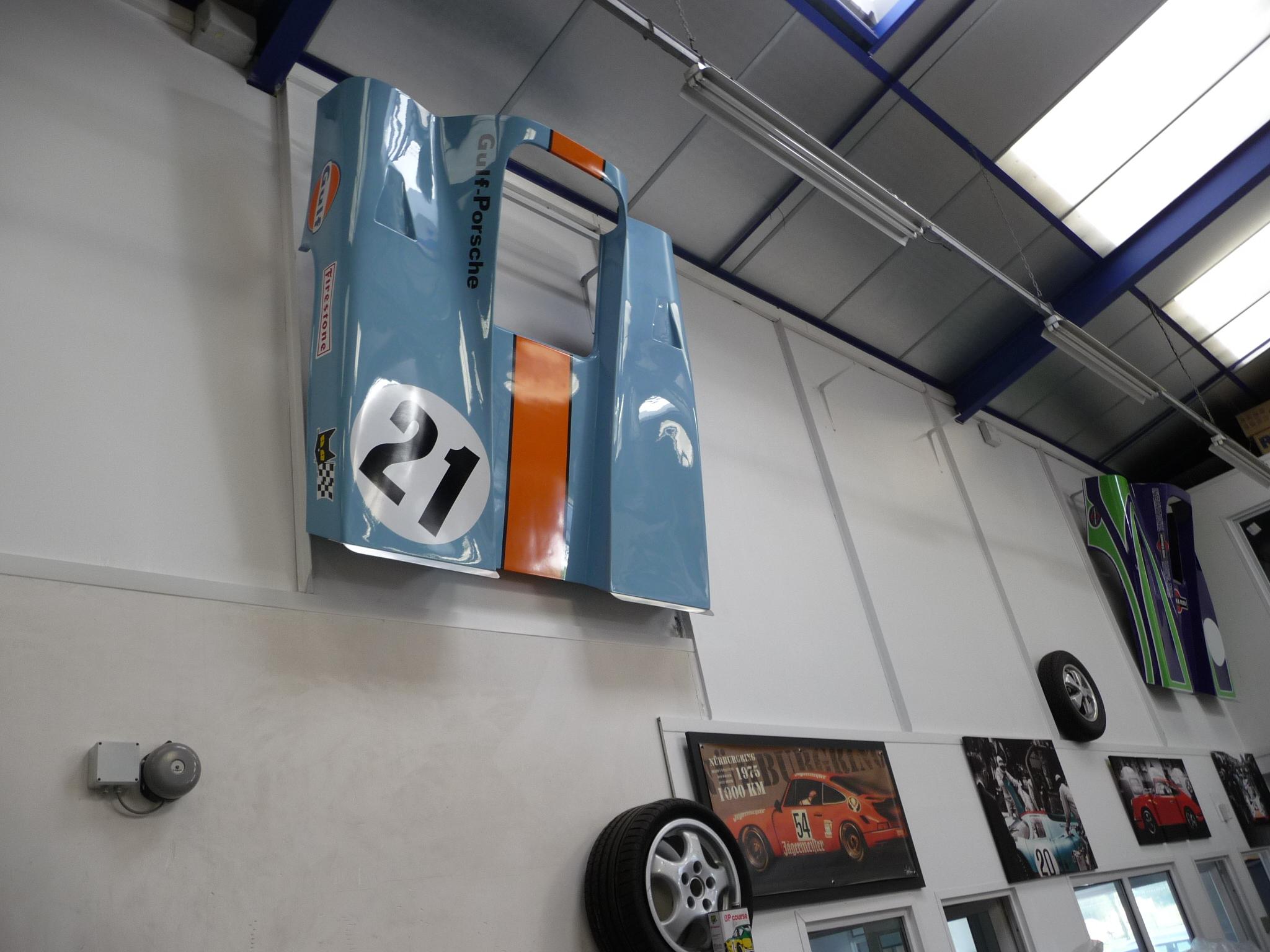 D coration garage porsche for Decoration maison voiture