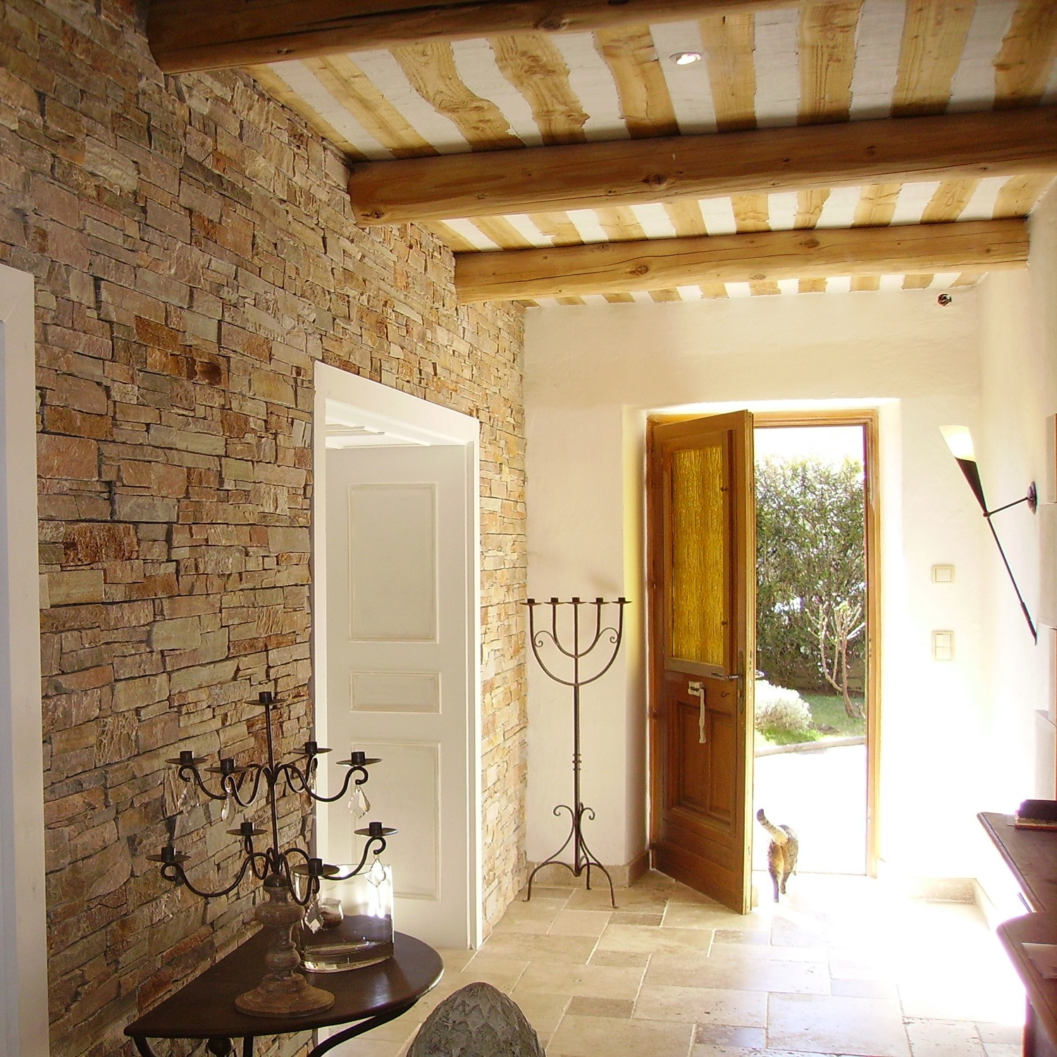 D coration interieur maison pierre exemples d 39 am nagements for Photo de decoration interieur