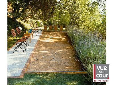 Decoration jardin exterieur maison for Idee deco cour exterieur