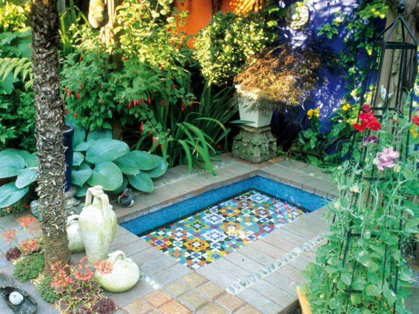 D coration petit jardin maison exemples d 39 am nagements for Modele petit jardin maison