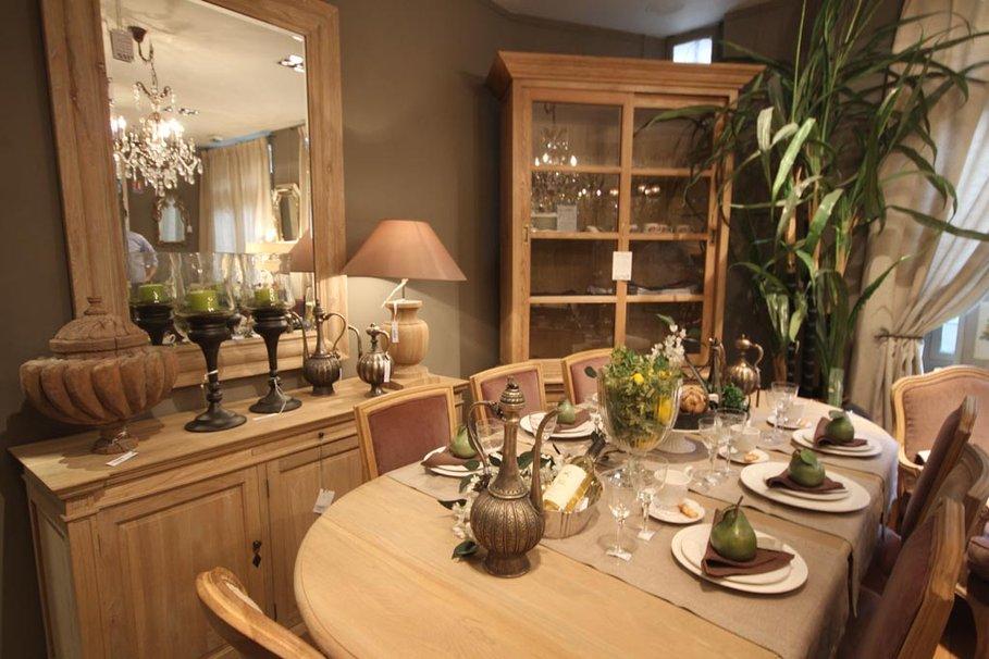 D coration salle a manger classique exemples d 39 am nagements - Table maison de famille ...