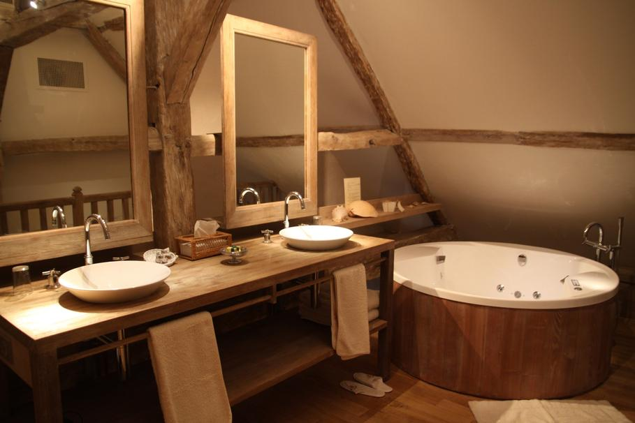 D coration salle de bain teck exemples d 39 am nagements - Salle de bain ancienne bois ...