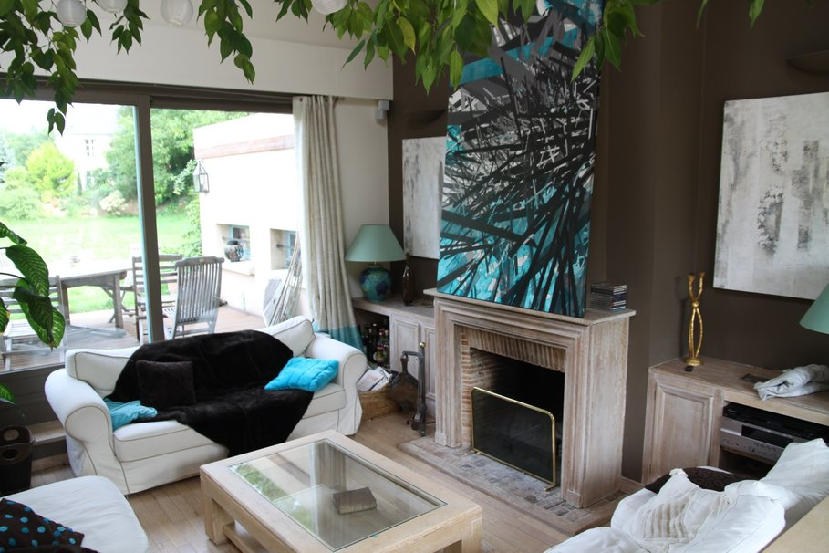 Idee Deco Chambre Mixte Fille Garcon : Décoration salon blanc et marron  Exemples daménagements