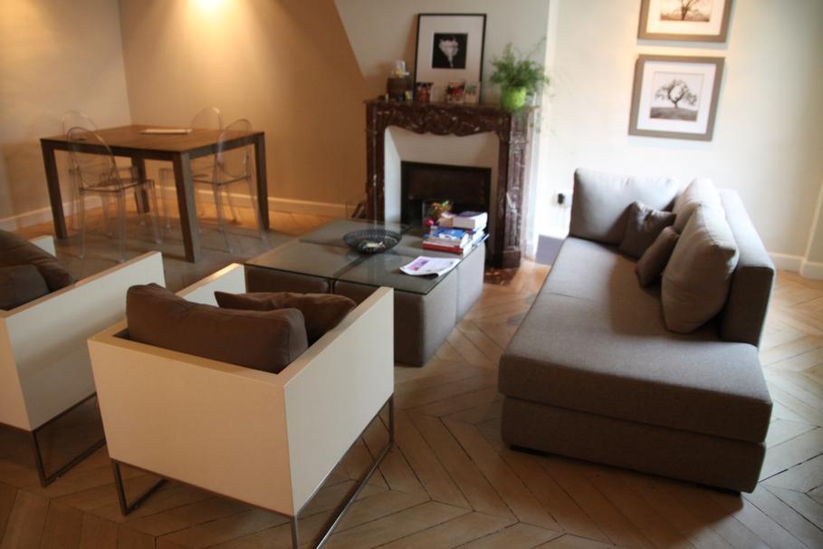 D coration salon parquet bois exemples d 39 am nagements - Deco salon bois ...