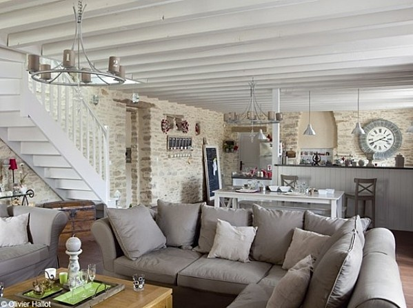 D coration salon rustique chic exemples d 39 am nagements - Decoration interieur style campagne ...