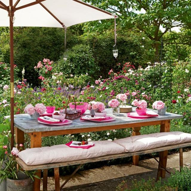 Décoration table repas au jardin - Exemples d\'aménagements