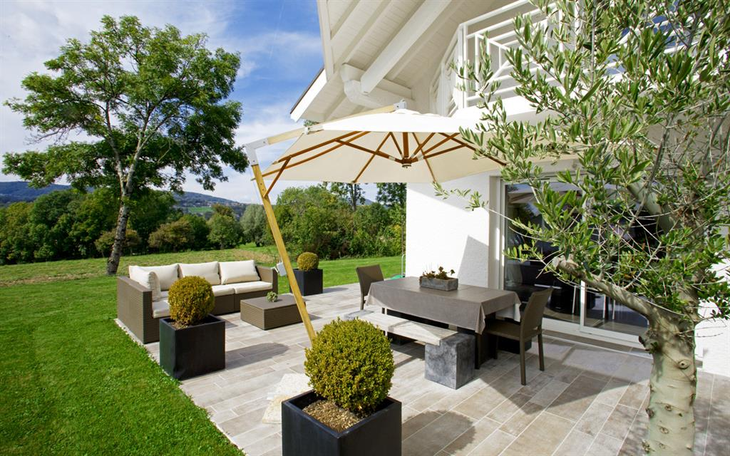 D coration terrasse design exemples d 39 am nagements for Decoration de terrasse couverte