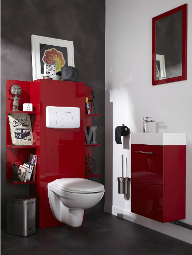 d coration toilettes rouge et gris exemples d 39 am nagements. Black Bedroom Furniture Sets. Home Design Ideas