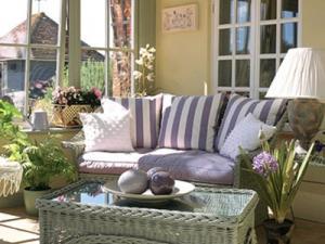 d coration veranda zen exemples d 39 am nagements. Black Bedroom Furniture Sets. Home Design Ideas